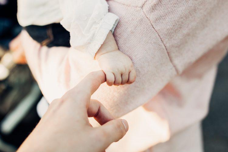 Jak długo karmić dziecko piersią